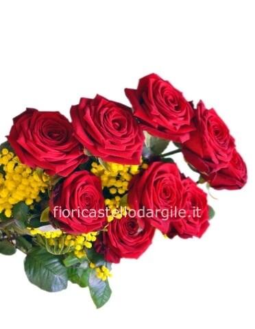 Mazzo Di Fiori E Mimosa.Rose Rosse A Stelo Lungo Con Mimosa Consegna Fiori A Castello D